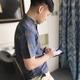 Mặt bích vua kẻ sọc áo sơ mi nam ngắn tay áo kinh doanh bình thường bông mùa hè áo sơ mi thanh niên mỏng Hàn Quốc nửa tay áo Áo