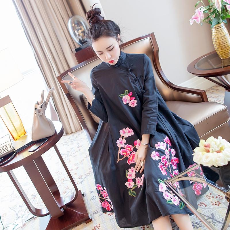 Ретро 2017 осень черный широкий пускай большой код вышивка ежедневно осеняя модель улучшение cheongsam платье длина мисс
