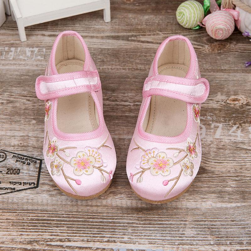 女童中式布鞋绣花公主鞋民族风儿童内增高中大童舞蹈演出袍鞋
