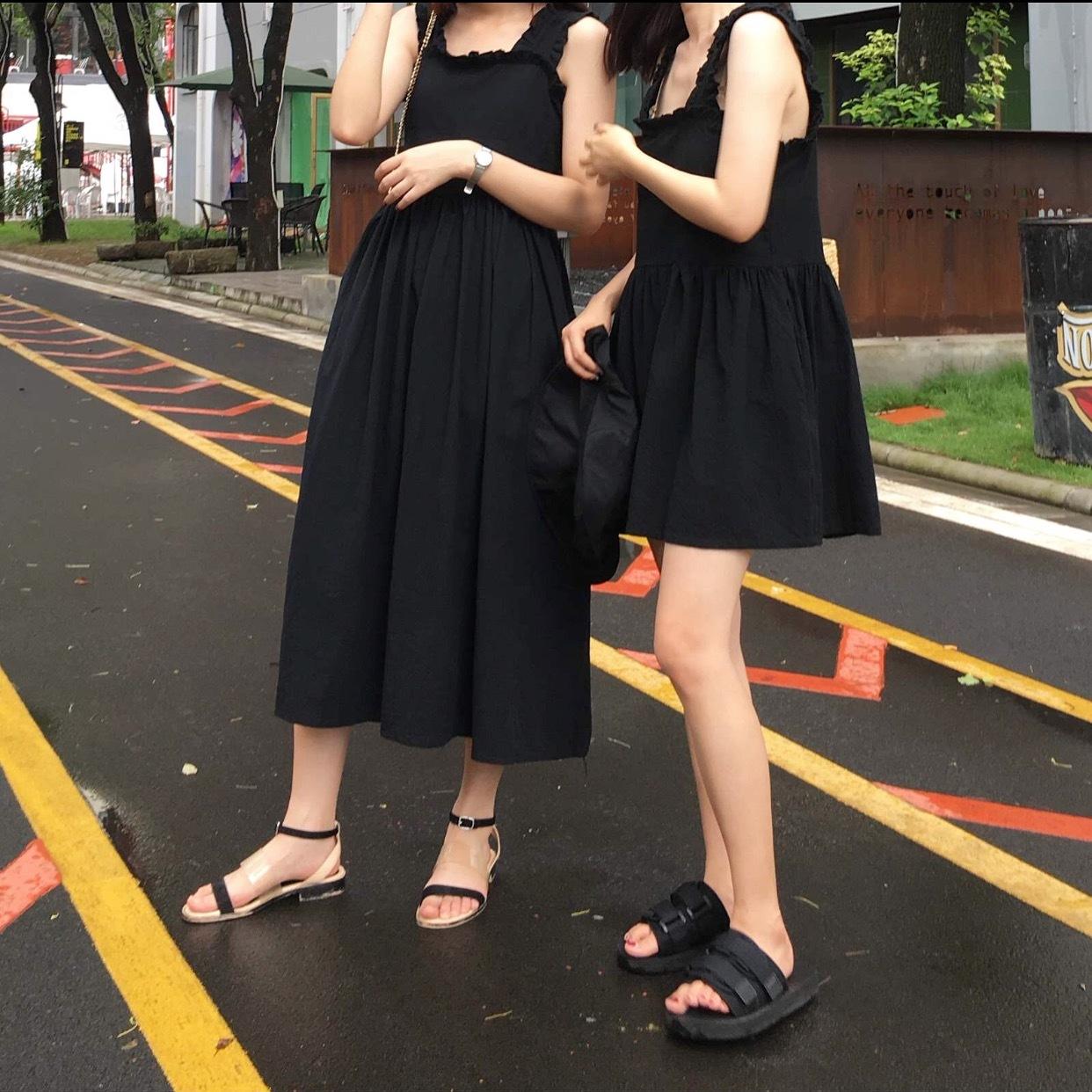 2018夏季新款无袖荷叶边连衣裙宽松纯色复古吊带中长款学生娃娃裙