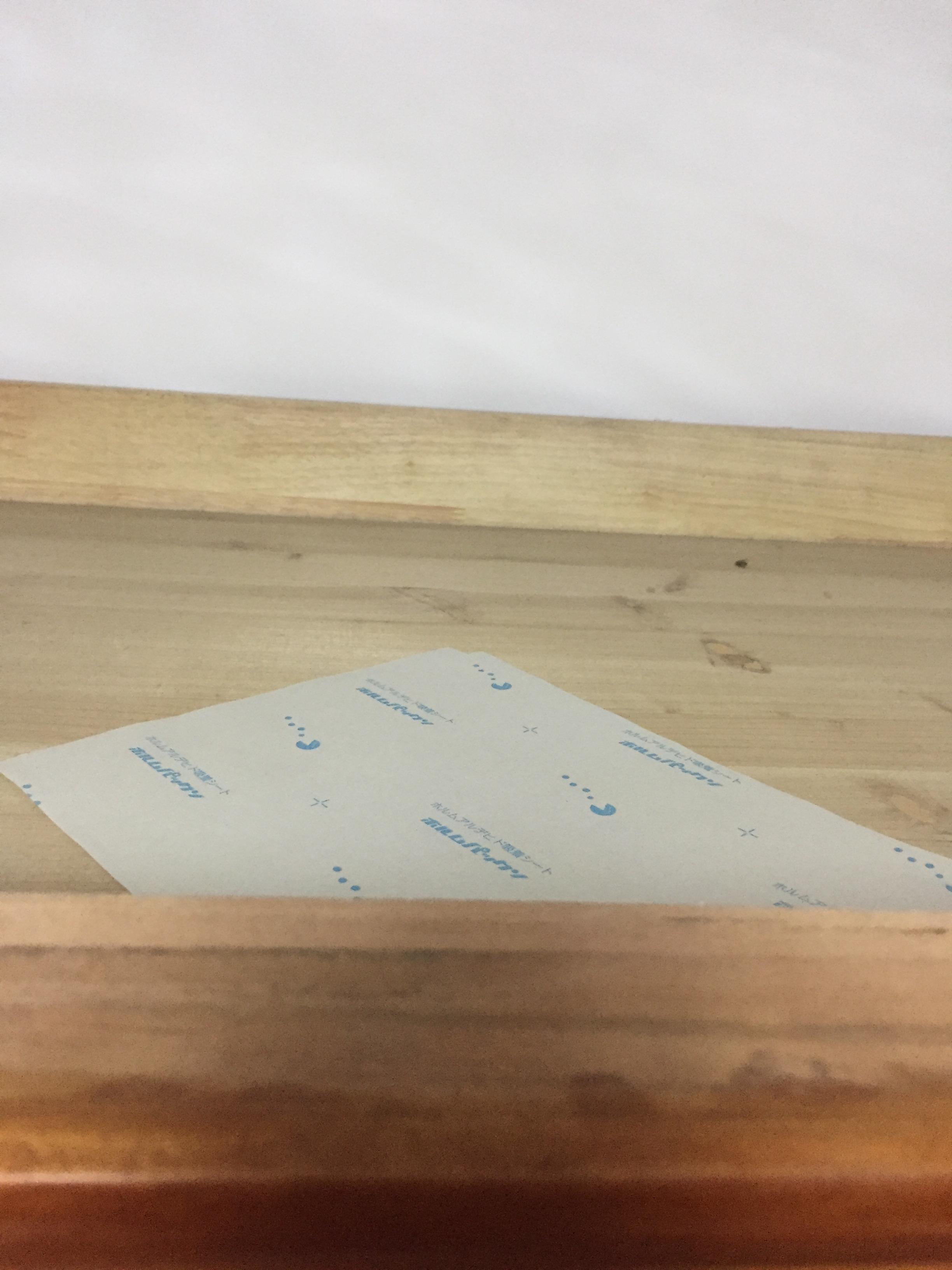 知道甲醛的危害性大,买了日本的甲醛吸附纸放在家具里