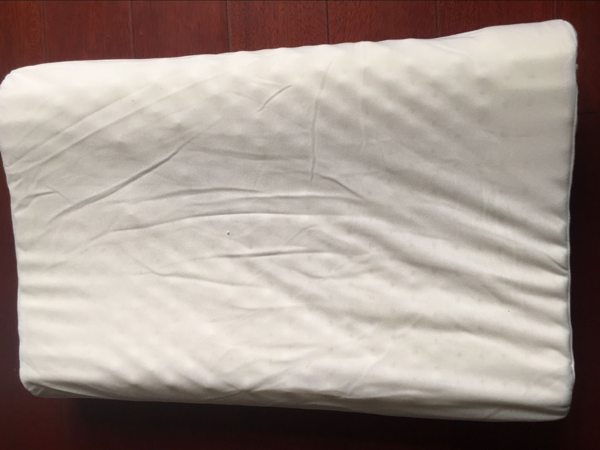 【只赚人气】泰国乳胶枕纯天然使用后怎么样?使用后测评