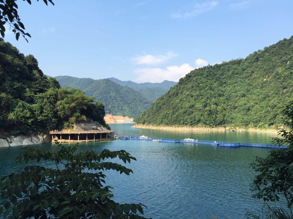 龙景大峡谷瀑布群