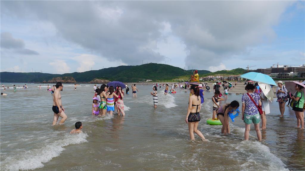嵊泗碧海金沙海滨浴场