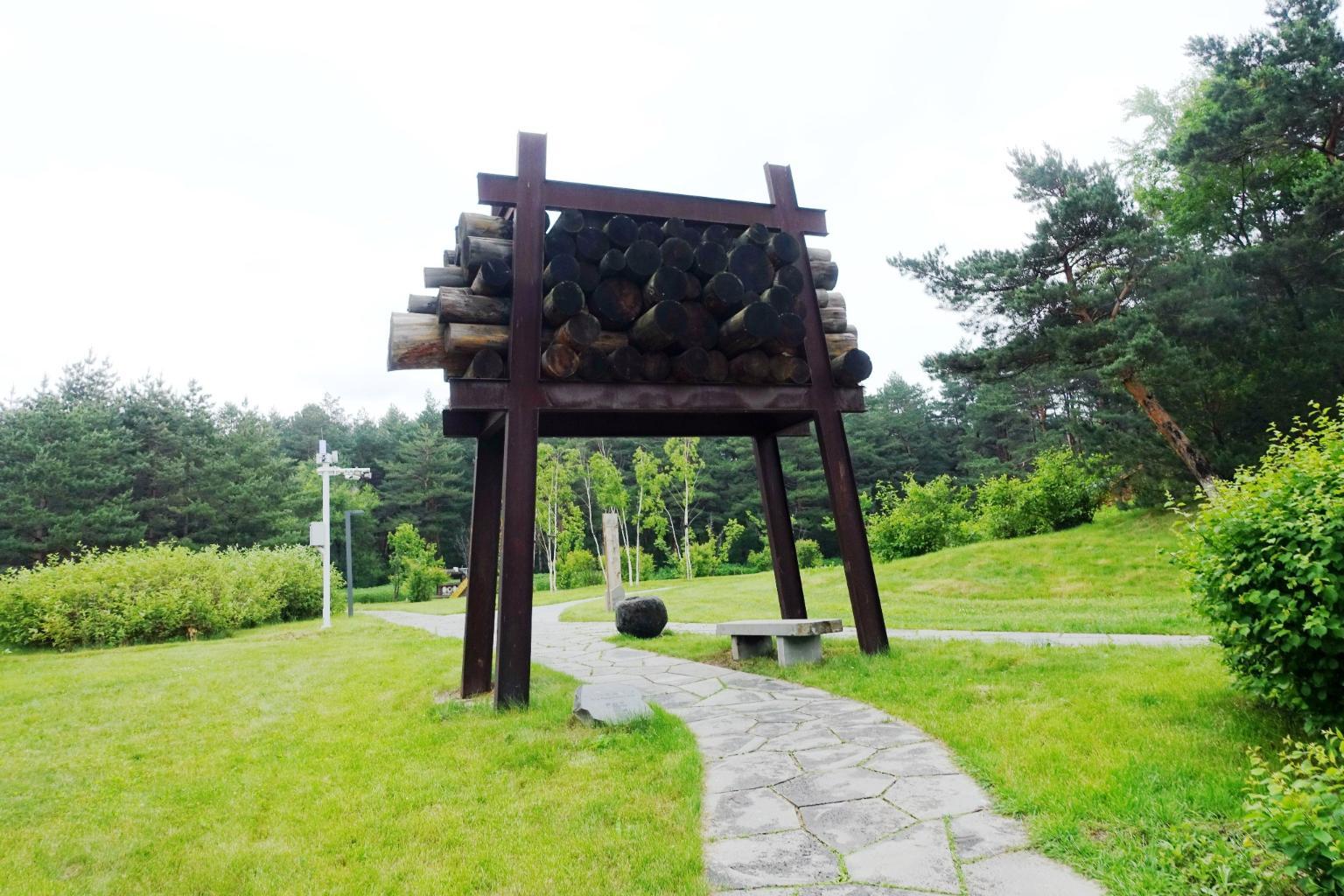 长白山美人松雕塑公园
