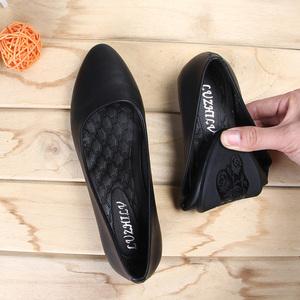 黑色皮鞋女工作鞋软皮单鞋粗跟职业女鞋平底软底银行上班空姐防滑