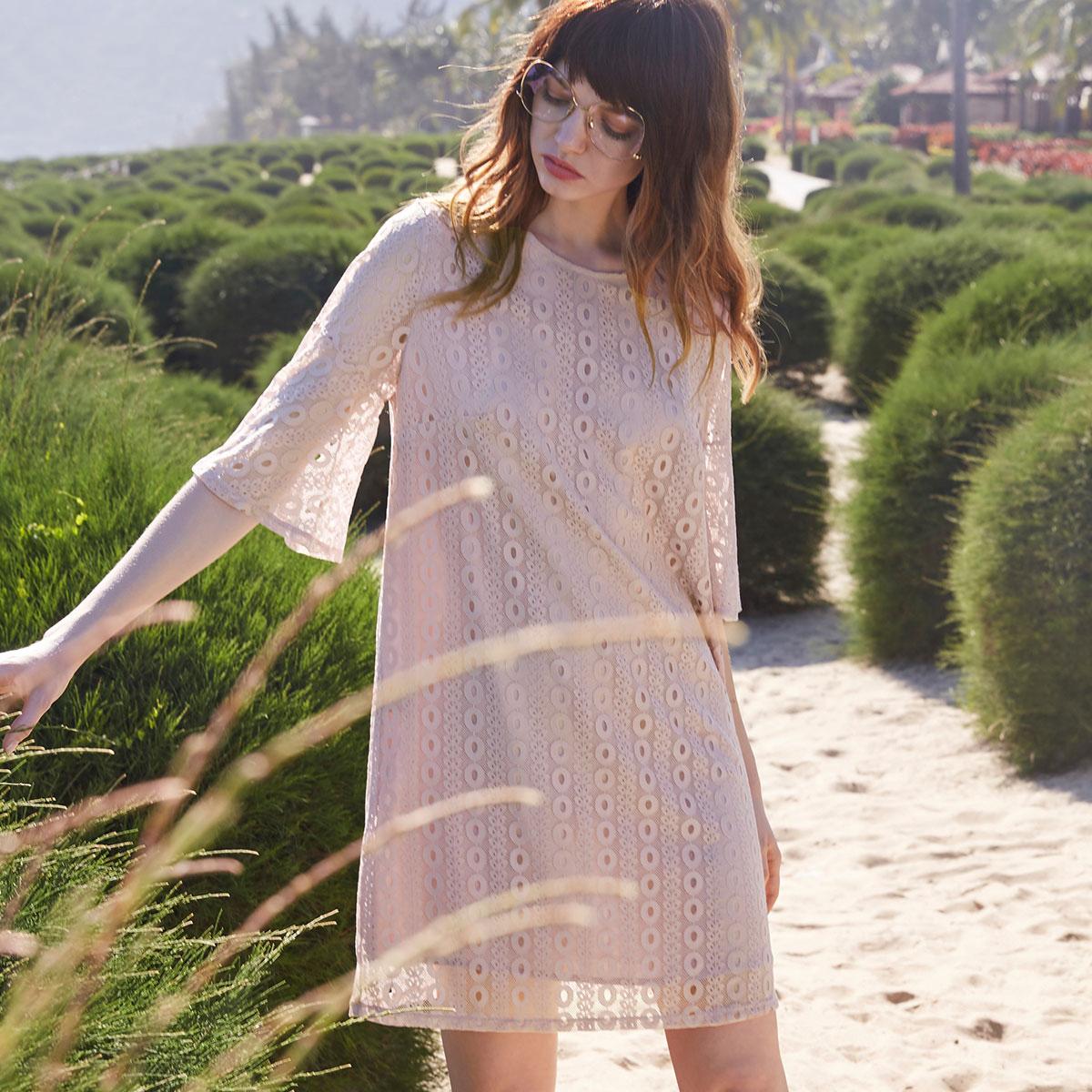 蕾丝五分袖连衣裙