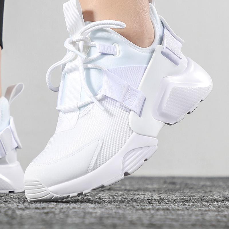 NIKE耐克女鞋2019秋新款华莱士运动鞋小白鞋网面透气跑步鞋AH6804