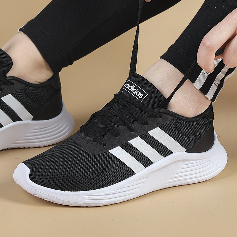 Adidas阿迪达斯女鞋2019冬季新款网面运动鞋透气休闲跑步鞋EG3291