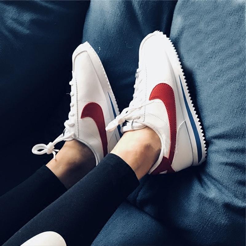 NIKE耐克女鞋2019秋新款白红复古阿甘运动鞋透气轻便跑步鞋807471