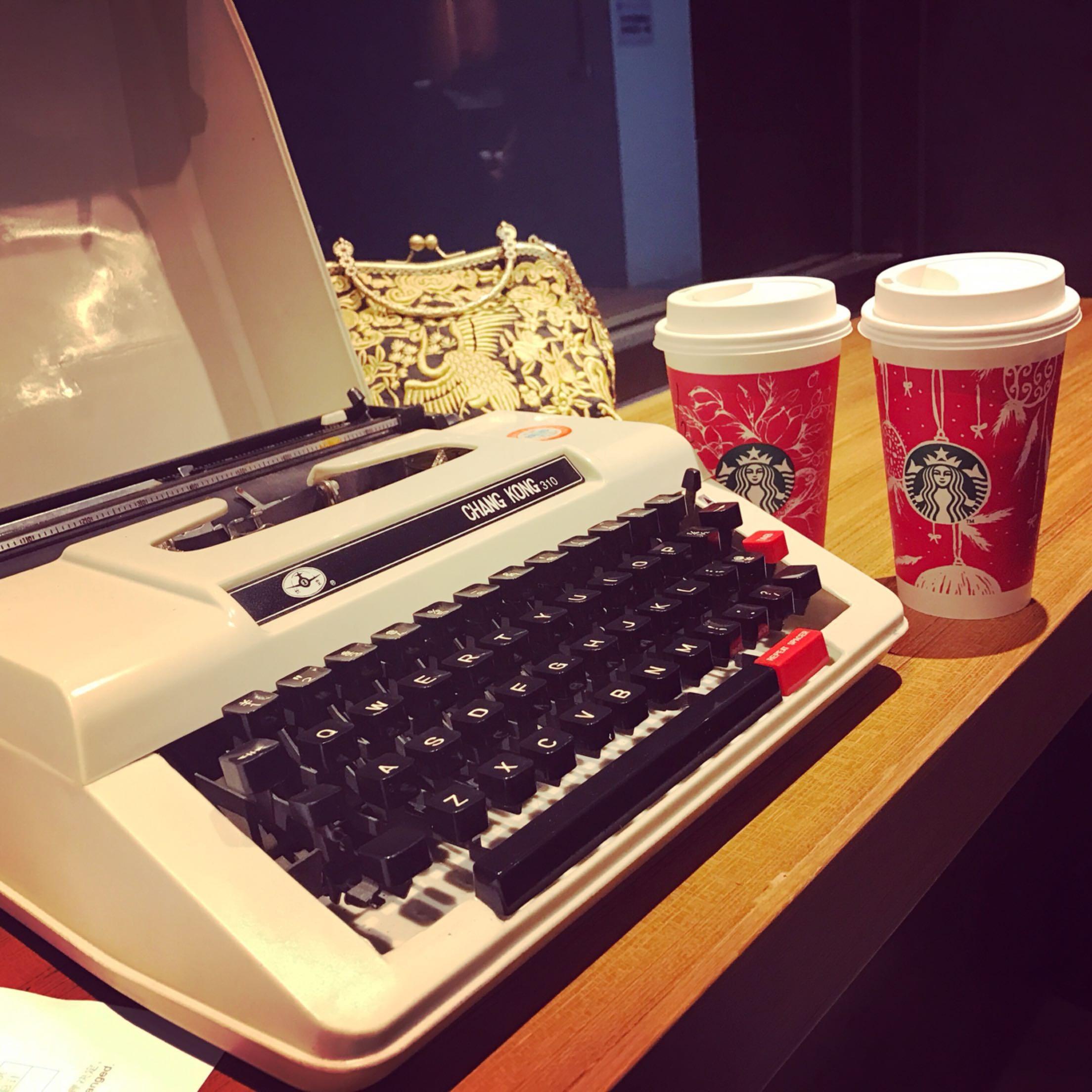 手提打字机复古可打字老式可打英文古董可用收藏饭店黑色老上海