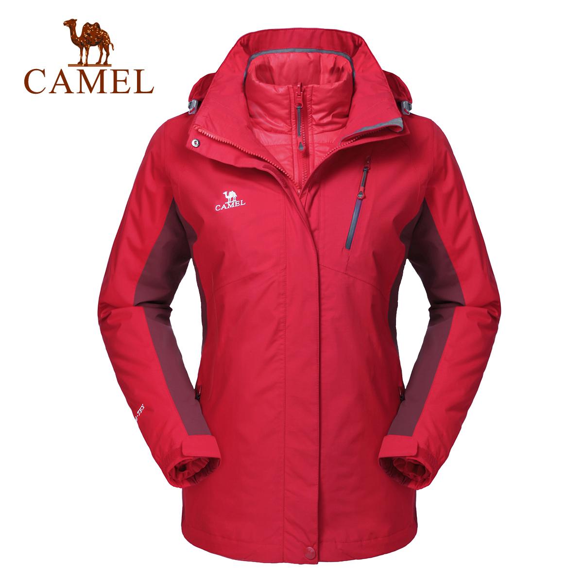 骆驼户外红色冲锋衣女三合一可拆防水防风中老年防寒服妈妈装外套