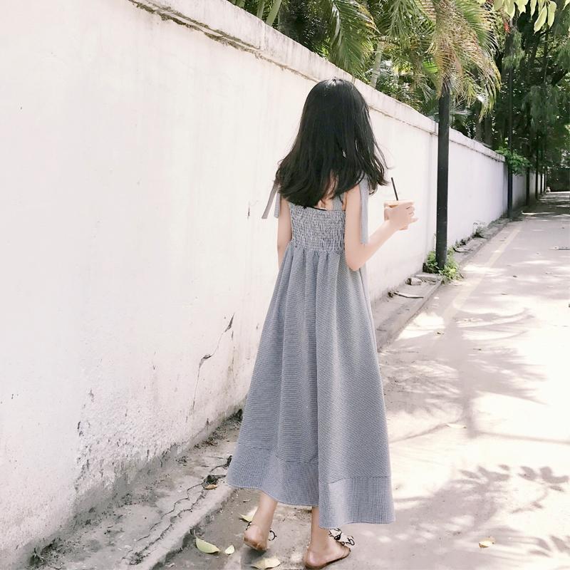 2019夏季新款文艺格子蝴蝶结系带连衣裙复古吊带收腰显瘦大摆长裙