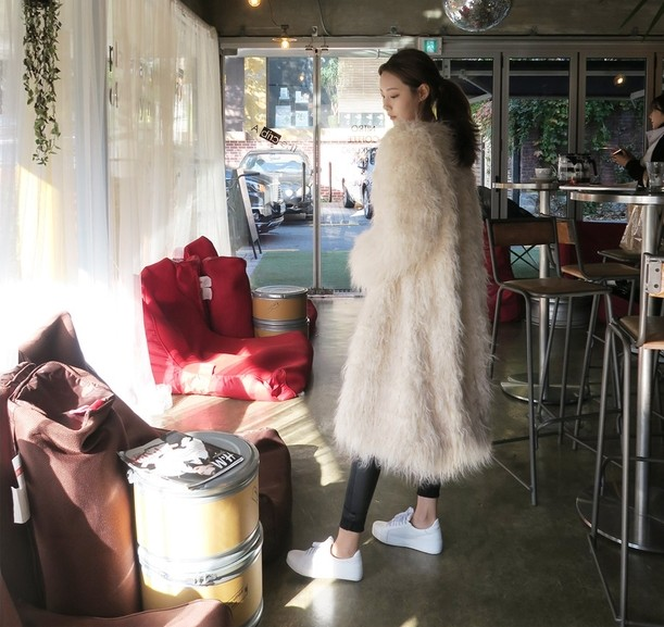 2018 winter new Korean version of the loose imitation beach wool fur coat female long section