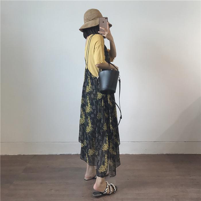 交叉吊带连衣裙