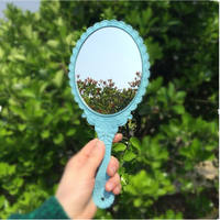HD handle makeup mirror Korean retro pattern beauty salon European portable mirror Princess Hand mirror
