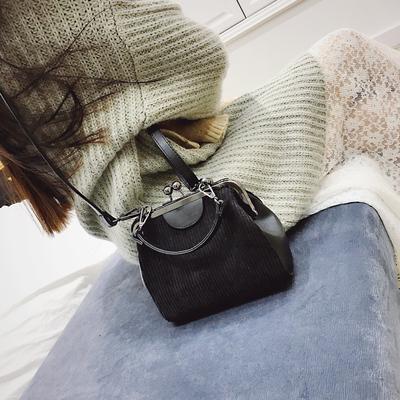 夹口包包女2019新款韩版简约复古百搭贝壳包单肩小包斜挎帆布包潮