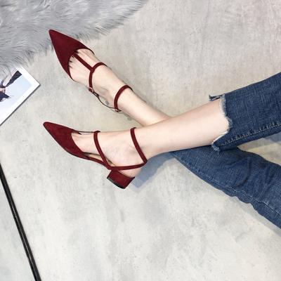 粗跟鞋女2019新款江疏影同款一字扣浅口绑带尖头单鞋红色平底婚鞋