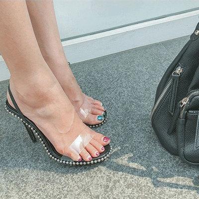 欧美2019夏新款透明高跟鞋黑色一字带凉鞋女铆钉细跟性感一鞋两穿