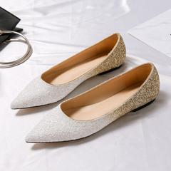 平底白色婚鞋