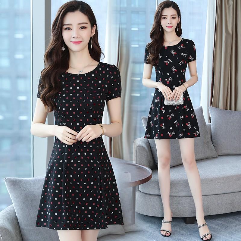 女人夏天印花的裙子2019新款中年收腰显瘦短袖A字型连衣裙30-40岁