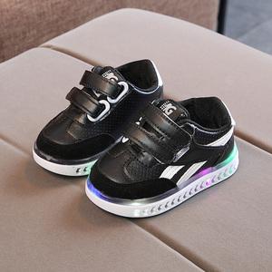 儿童亮灯鞋1-3-5岁2宝宝学步鞋小白鞋男童运动鞋女童透气休闲鞋潮