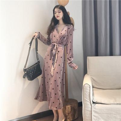 连衣裙秋装2018新款名媛气质V领修身显瘦长款波点长袖高冷范女装