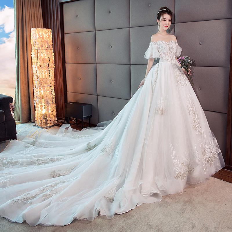 主婚纱礼服2018新款公主梦幻长拖尾抖音同款显瘦奢华一字肩赫本女
