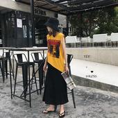 街拍休闲 画报黄色背心TEE and 显瘦黑色吊带裙 Z复古 叠搭穿