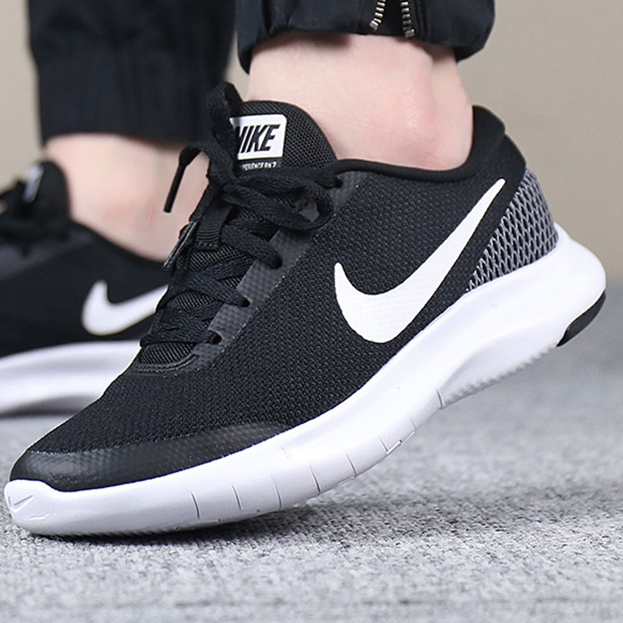 Nike耐克女鞋2018秋季新款FREE赤足跑鞋休闲运动鞋透气轻便跑步鞋