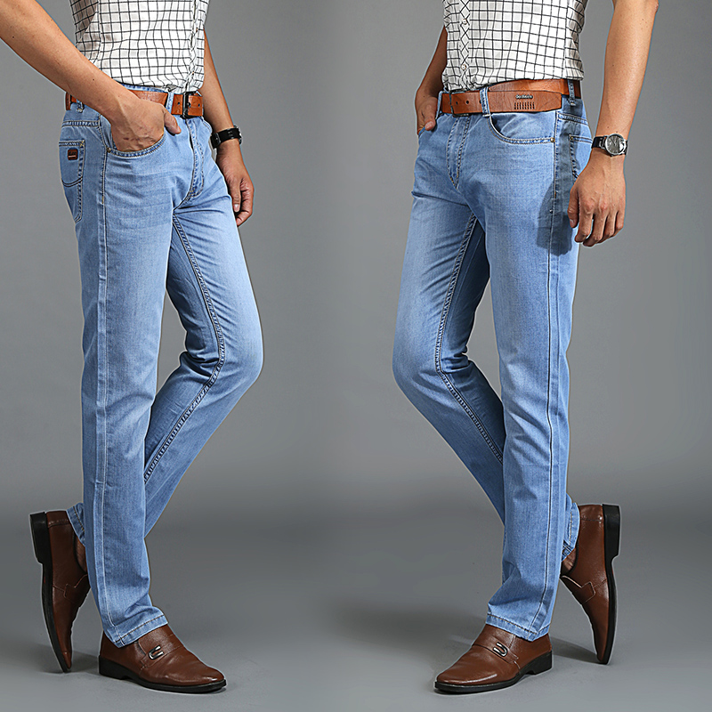 青年浅色牛子裤