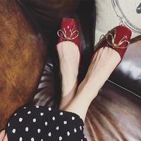 酒红色单鞋复古