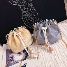 Small bag girl 2019 summer new chao Korean version of the hundred-sloping chain one-shoulder simple on the new sequin bucket bag