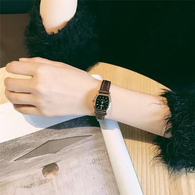 新款复古手表