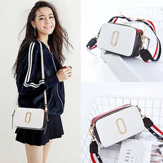 New small bag female bag 2019 new wave Korean fashion wild women's shoulder Messenger bag casual small square bag