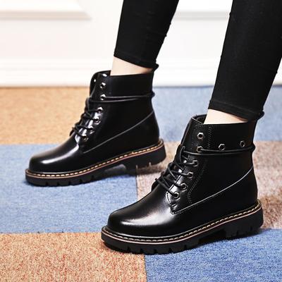秋冬季靴子加绒鞋子ins马丁靴女英伦风短靴chic平底加厚机车女鞋