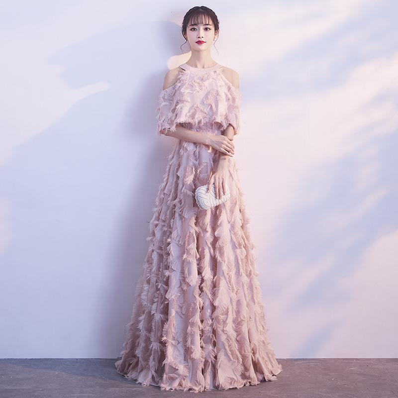 粉色礼服裙名媛