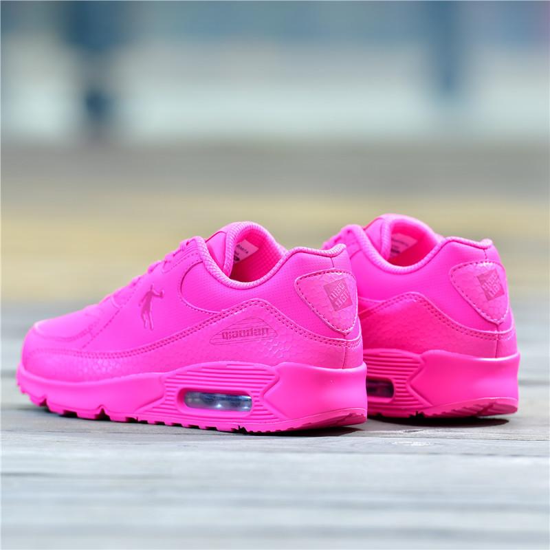 乔丹女鞋气垫跑步鞋女生纯粉红色运动鞋皮面休闲鞋旅游鞋乔丹正品