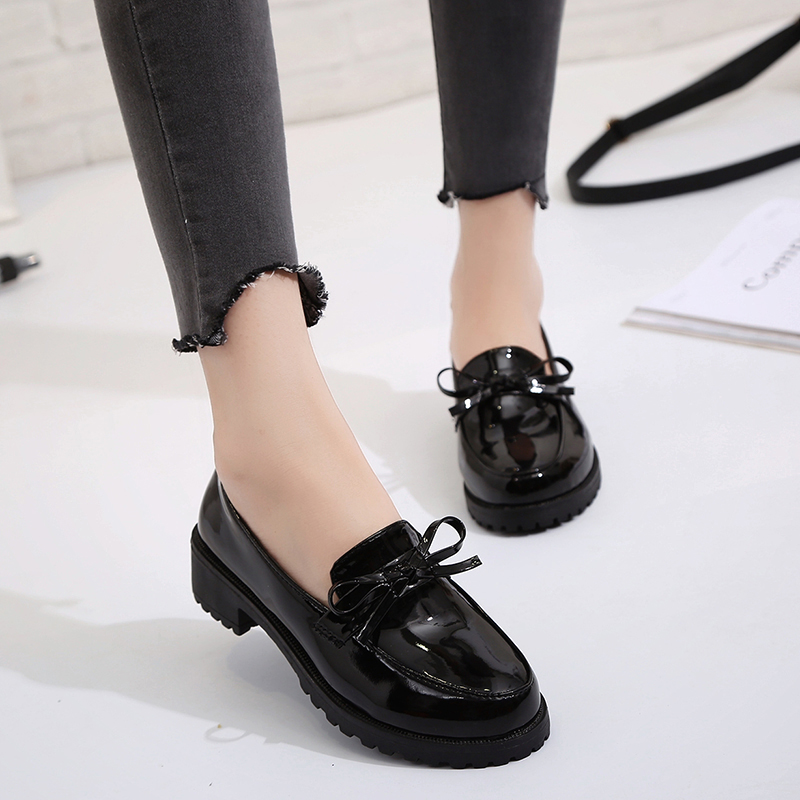 时尚英伦女鞋低跟