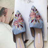 Small C K2019 early spring new C K1-70390211-2 classical embroidery flower pointed low-heeled slippers