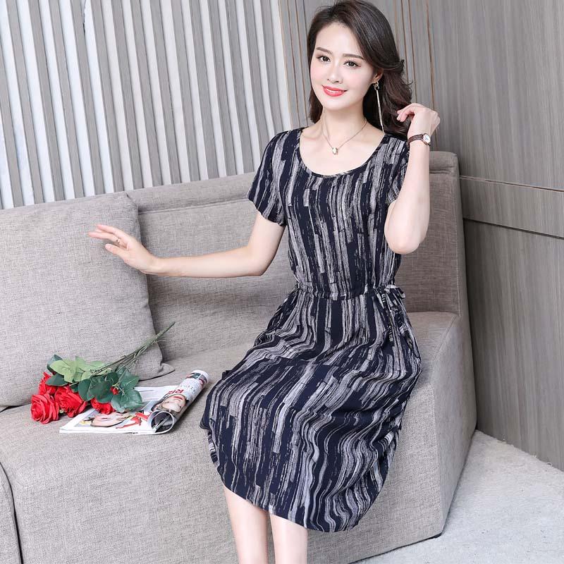 中老年女裝夏裝桑綿綢雕印小碎花裙子媽媽裝短袖中長款棉綢連衣裙