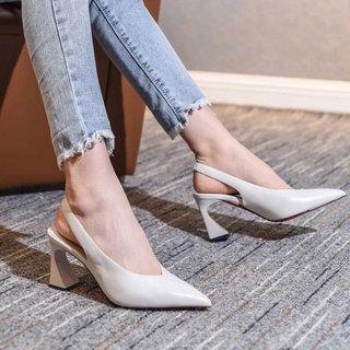 日本购尖头凉鞋夏白色包头后空软皮口女鞋复古粗跟高跟鞋女欧货欧