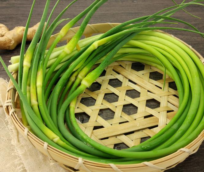 湖北农家自种 新鲜嫩蒜苔 大蒜心豪蒜新鲜蔬菜带箱3斤包邮