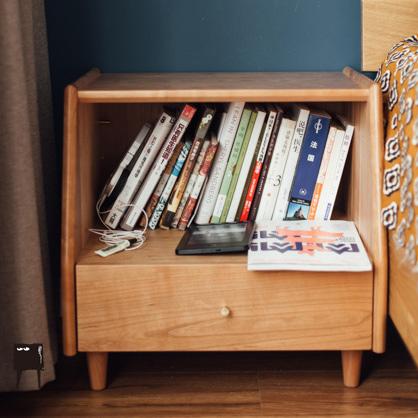 黑胡桃木床头柜