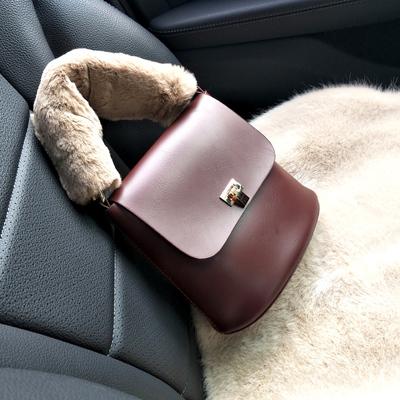 Zaztto新款女包毛绒手提包韩版时尚休闲锁扣单肩斜挎水桶小包包