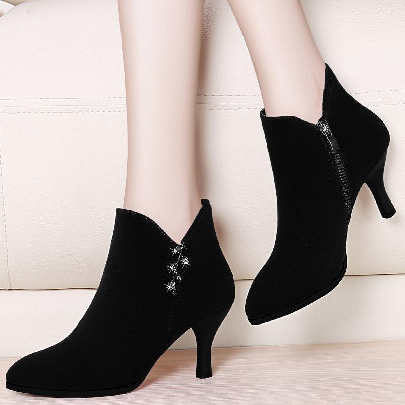 细高跟短皮靴