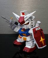 Pearlescent paper model SD up to RX-78-2 3D paper mold / paper model