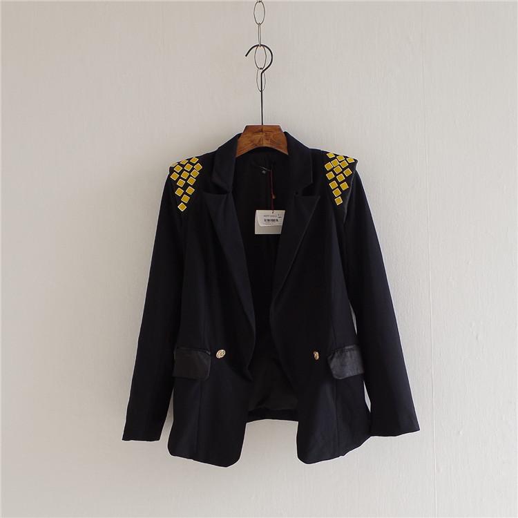 新款垫肩小外套