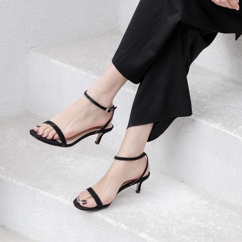一字带凉鞋女中跟晚晚风猫跟鞋2019夏新款百搭简约黑色细跟高跟鞋