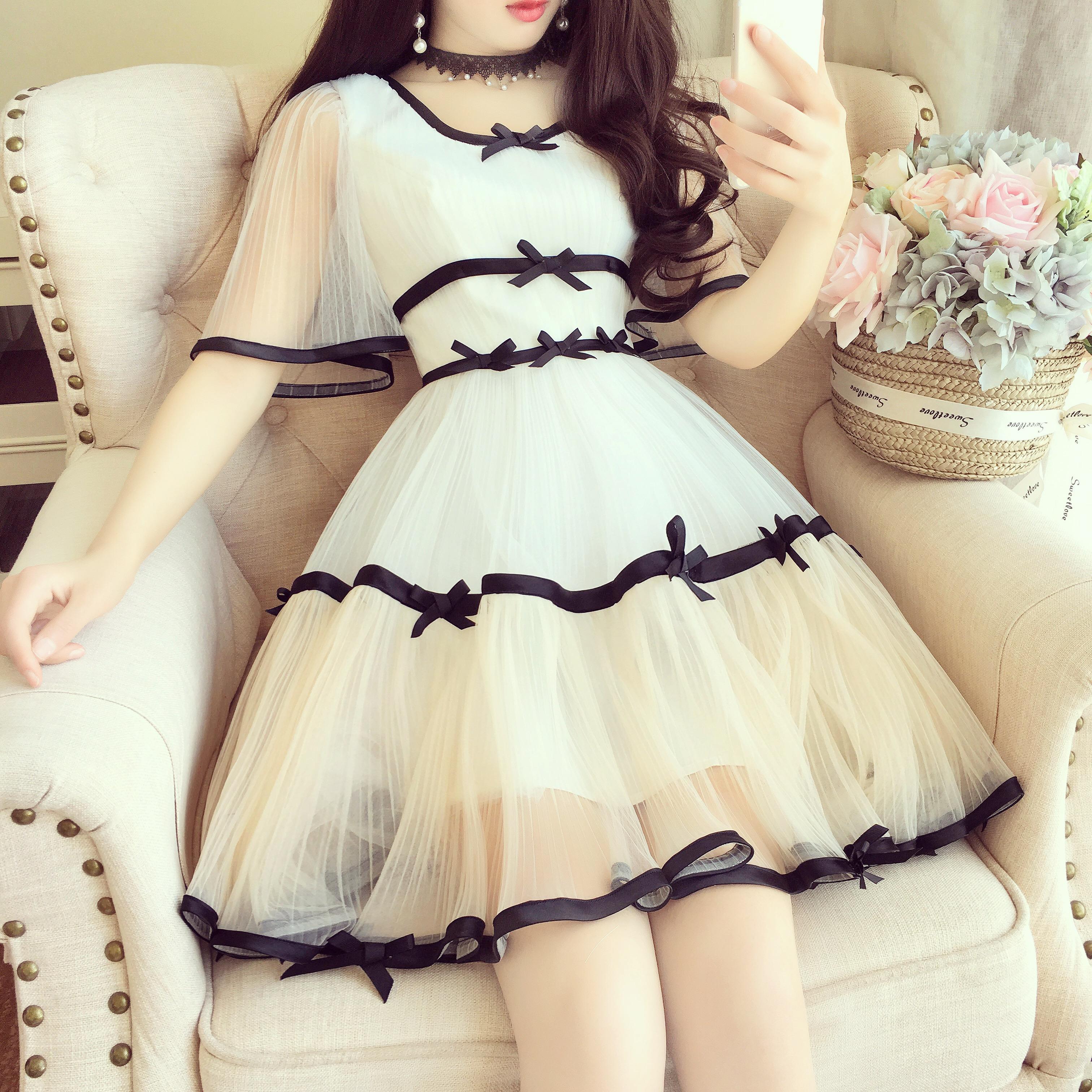 甜美纯色蓬蓬裙